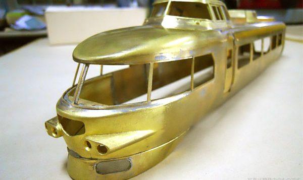 小田急3100形 NSE ロマンスカー。1号車、3121ボディ組立。